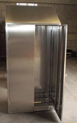 Offerte arredamento in acciaio inox armadietto for Arredamento acciaio inox