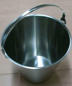 Arredamento in acciaio inox per caseifici e industrie for Arredamento acciaio inox